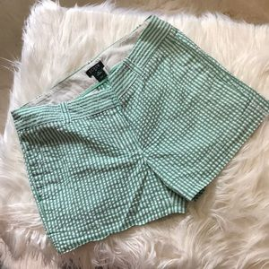 JCREW SEAR SUCKER WHITE AND GREEN SHORTS